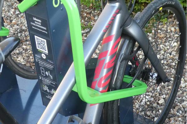 Lille city bike i Bikeep
